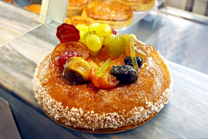 Brioche des Rois at Epiphany by Bauget, Maisons-Laffitte © French Moments