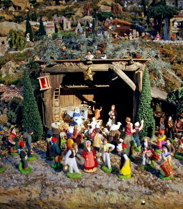 Nativity scenes in Paris: church of Saint-François Xavier © French Moments