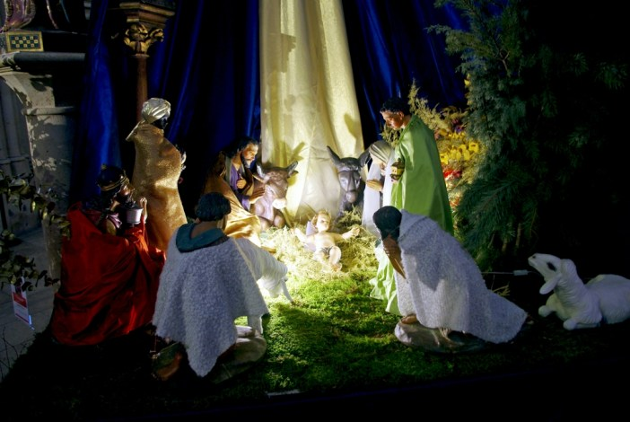 Nativity Scene Paris © French Moments