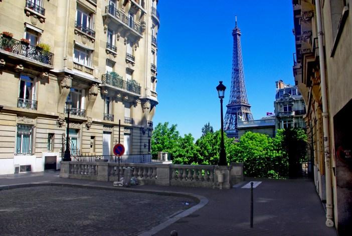 Avenue de Camoëns, 16th arrondissement of Paris © French Moments