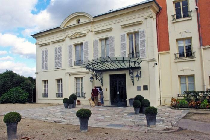 The Pavillon Henri IV, Saint-Germain-en-Laye © French Moments