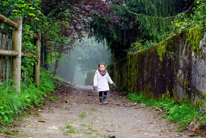 Our little girl in wonderland (Menthon Castle) © French Moments