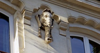 Elephant head near Les Halles, Paris at number 3 rue de la Cossonnerie © French Moments