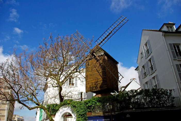 The Radet Windmill, rue Lepic © French Moments