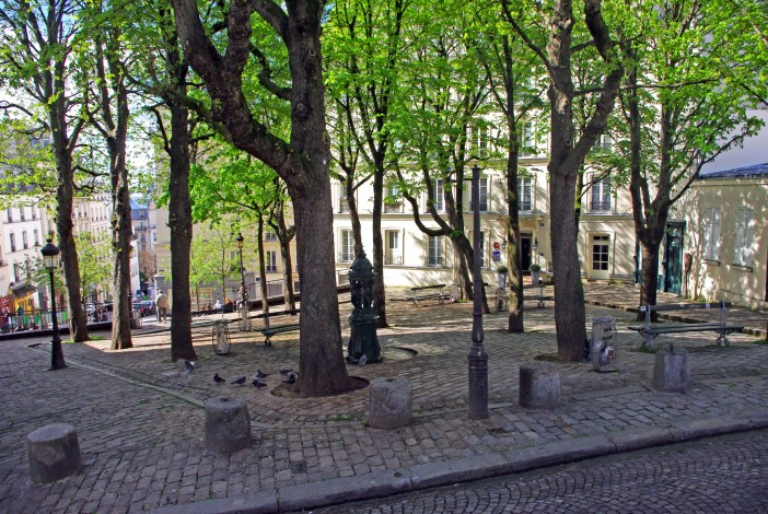 Place Emile Goudeau, Montmartre. Picasso used to live there, at Le Bateau-Lavoir © French Moments