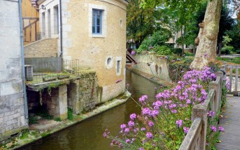 The Banks of the River Loir in Vendôme © French Moments