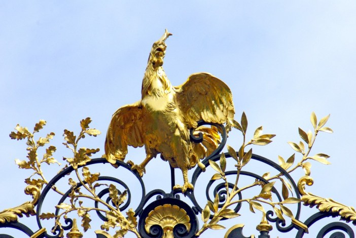 The rooster of the Elysée Palace Gate © French Moments