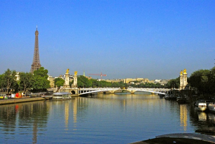 Pont de la Concorde View of Pont Alexandre III Paris © French Moments