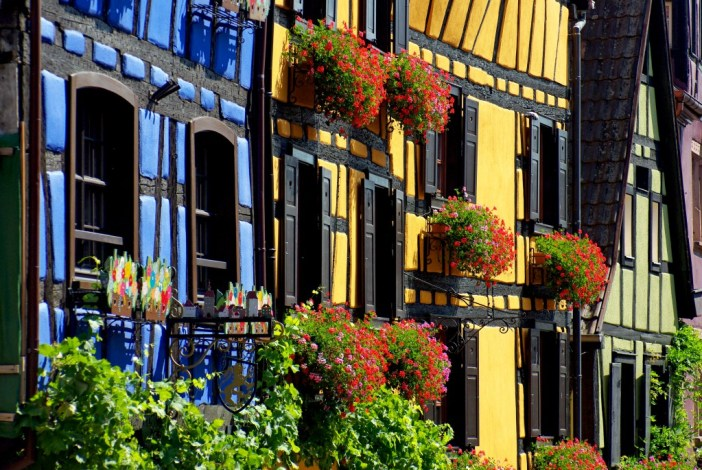 Half-timbered houses in Alsace - Riquewihr © French Moments