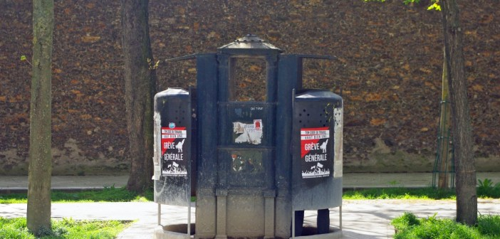 last vespasienne in Paris
