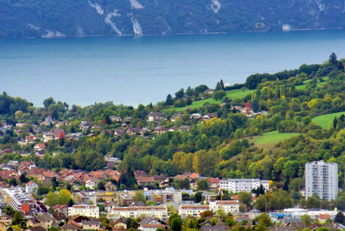 Lac du Bourget and Aix-les-Bains © French Moments