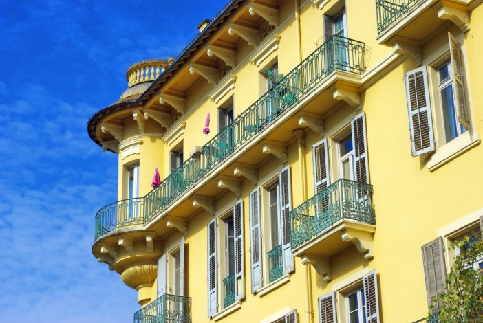 Avenue Charles de Gaulle, Aix-les-Bains © French Moments