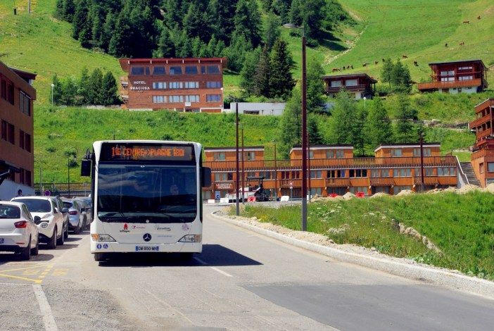 Bus shuttle, Plagne Centre © French Moments