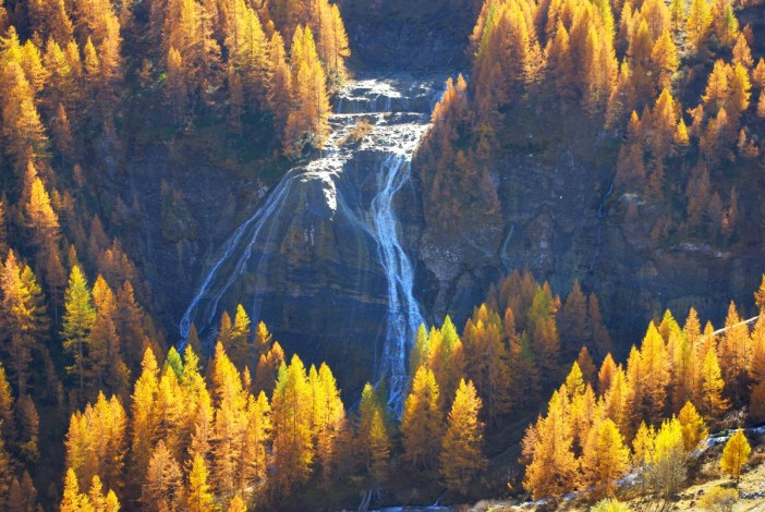 Waterfall near Tignes © French Moments