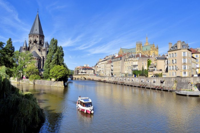 The view from Moyen Pont © French Moments