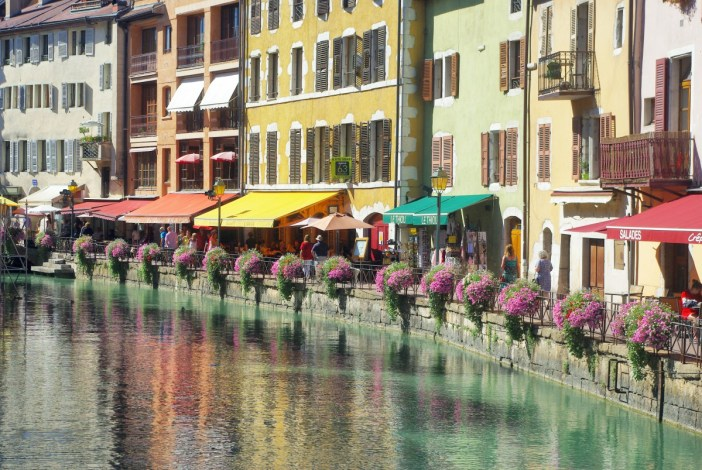 Quai de l'Île, Annecy © French Moments