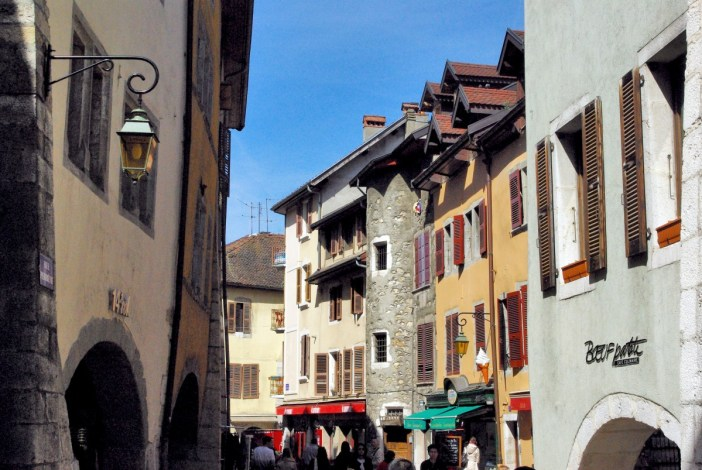 Rue Perrière, Annecy © French Moments