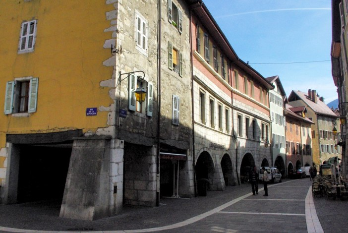 Rue Sainte-Claire, Annecy © French Moments