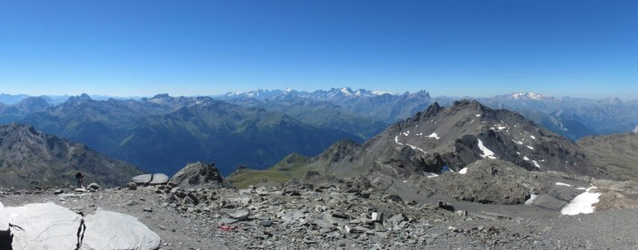 The view from Cime de Caron looking towards the Ecrins massif © Simon Strueux - licence [CC0] from Wikimedia Commons