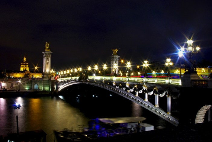 Pont Alexandre III by night © French Moments