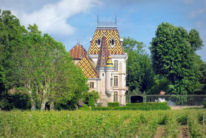 The château of Aloxe-Corton in Burgundy © French Moments