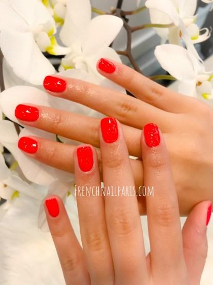 Profitez d'une mise en beauté de vos mains en profitant de la pose vernis permanent