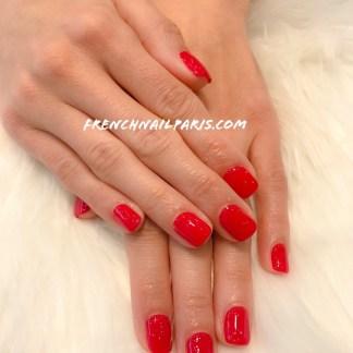 Soyez belle jusqu'au bout des doigts en optant pour une beauté des mains parfaitement agrémentée d'un vernis permanent.