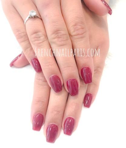 Envie de sublimer vos ongles avec une mise en beauté des mains associée à un vernis permanent ?