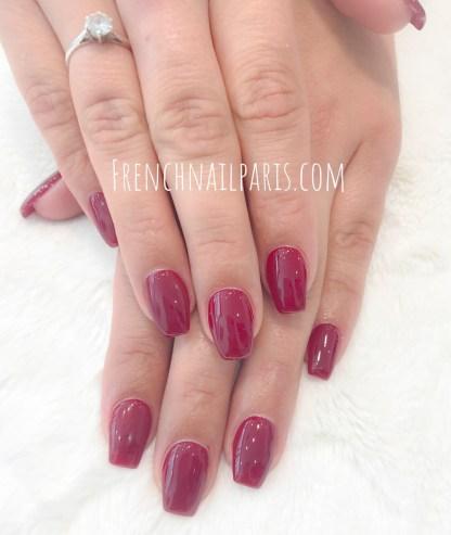 Envie de sublimer vos ongles avec une mise en beauté des mains associée à un vernis permanent de couleurs scintillantes ?