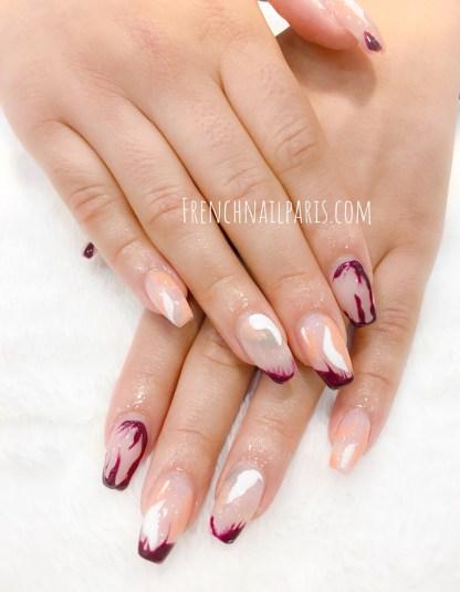 Chassez le stress et n'hésitez plus à vous faire plaisir en vous offrant unremplissage résine pour prolonger vos ongles qui en ressortent sublimés.