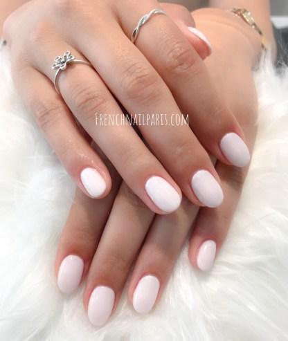 Pour entretenir parfaitement vos ongles alors optez pour unremplissage résine pour prolonger vos ongles qui en ressortent sublimés.