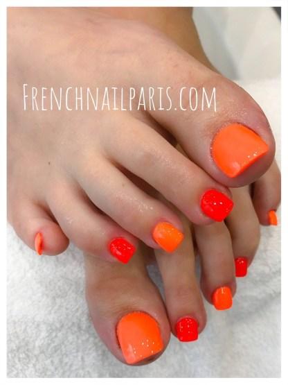 Pose résine pieds avec vernis classique
