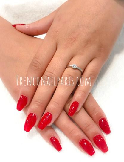 Manucure ou pose de résine associée à un vernis classique : tout est mis en oeuvre pour sublimer la beauté de vos mains.