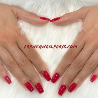 Pour des ongles tendances et sublimés, vos expertes vous proposent une beauté des mains parfaitement réalisée et joliment colorée.
