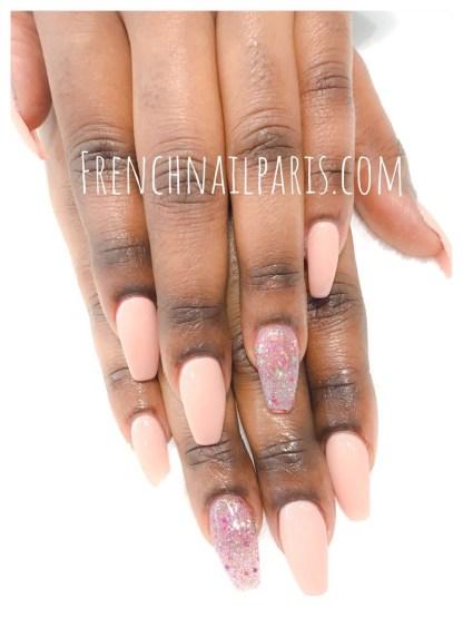 Pose résine mains avec vernis semi permanent