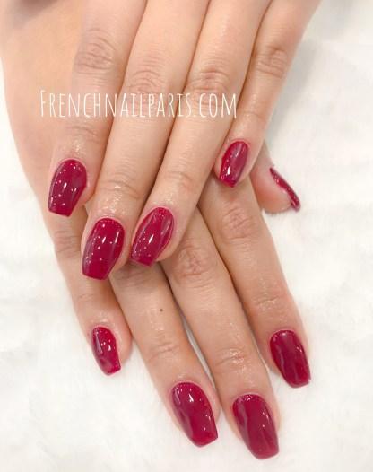 Redonnez éclat à vos ongles en profitant d'une une pose d'ongles résine associée à un vernis semi permanent spécialement concoctée pour les sublimer.