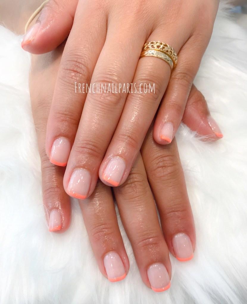 Soyez belle jusqu'au bout des ongles avec une pose de vernis semi permanent french joliment décorée par l'une de vos expertes en beauté.