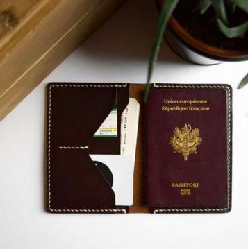 Housse passeport cuir - idées cadeaux saint valentin