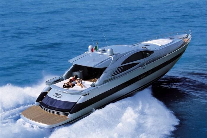 Pershing 76 Yacht