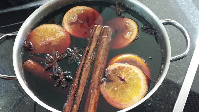 Mulled wine in the pan