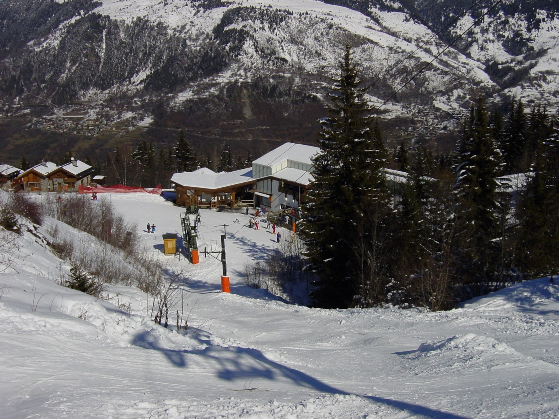 ski to the lift