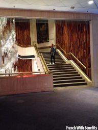 Le grand escalier du Glenbow