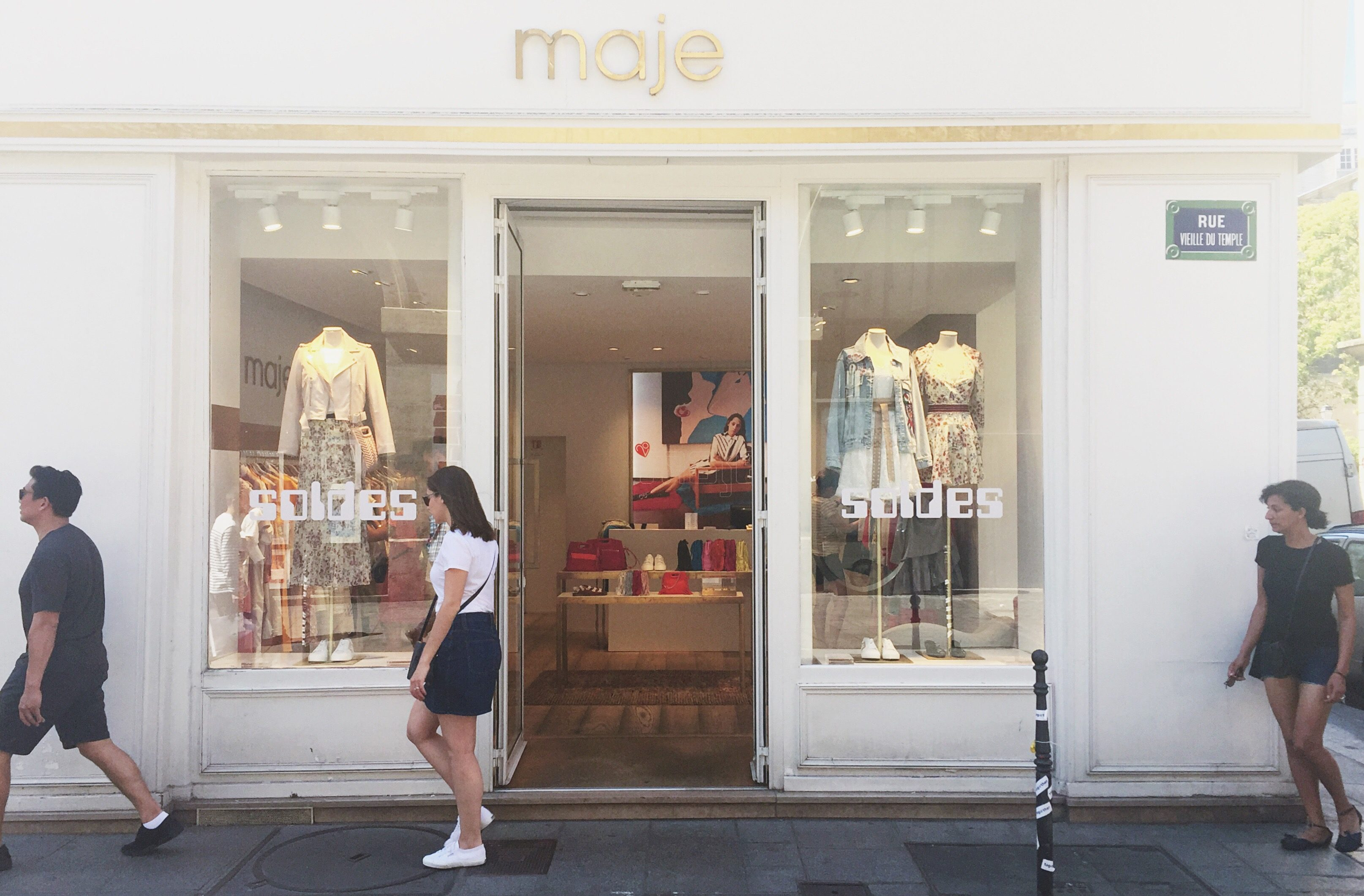 Shopping for Deals in Paris: Sales, Outlets and Tax Refunds