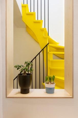 Escalier de couleur vive