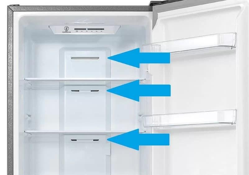 När kylskåpet startar och kompressorn klickar kan det bara vara ett tecken på den vanliga systemlanseringen. Om ljuset brinner och enheten är frost, är allt bra. Men ljuden när du börjar ofta ange fel: