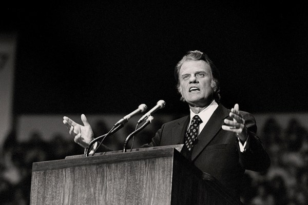 17 citations inspirantes de l'évangéliste Billy Graham sur la vie et la foi.