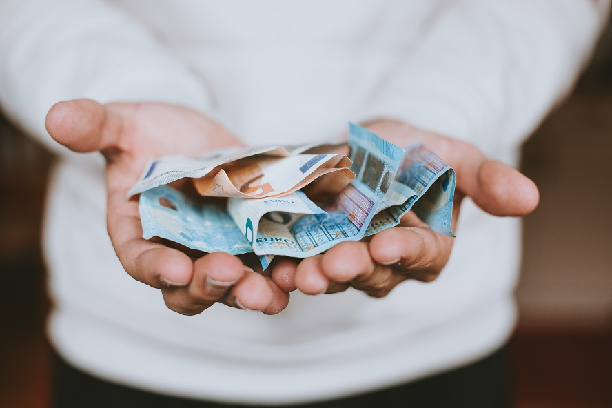 Notre argent est à Dieu et non à nous !