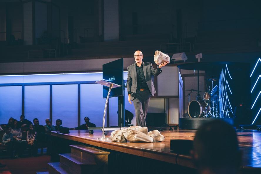 Évangélisation: Dieu cherche des messagers, pas des avocats !