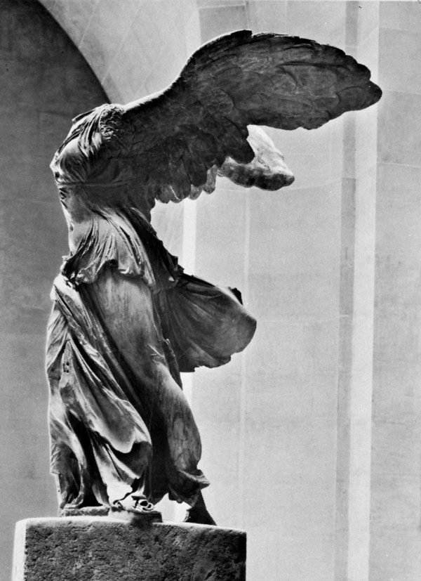Nike of Samothrace Sculpture