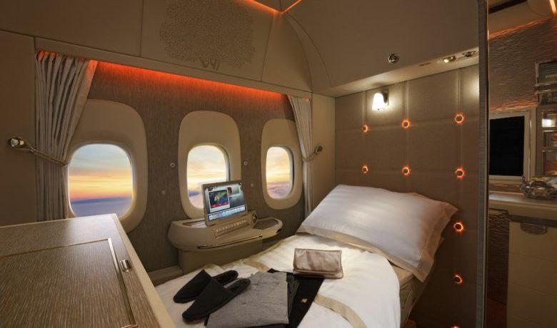 Emirates gjør det mer tilgjengelig fremtidens luftfart hos emiratesEmirates First Class pysjamas